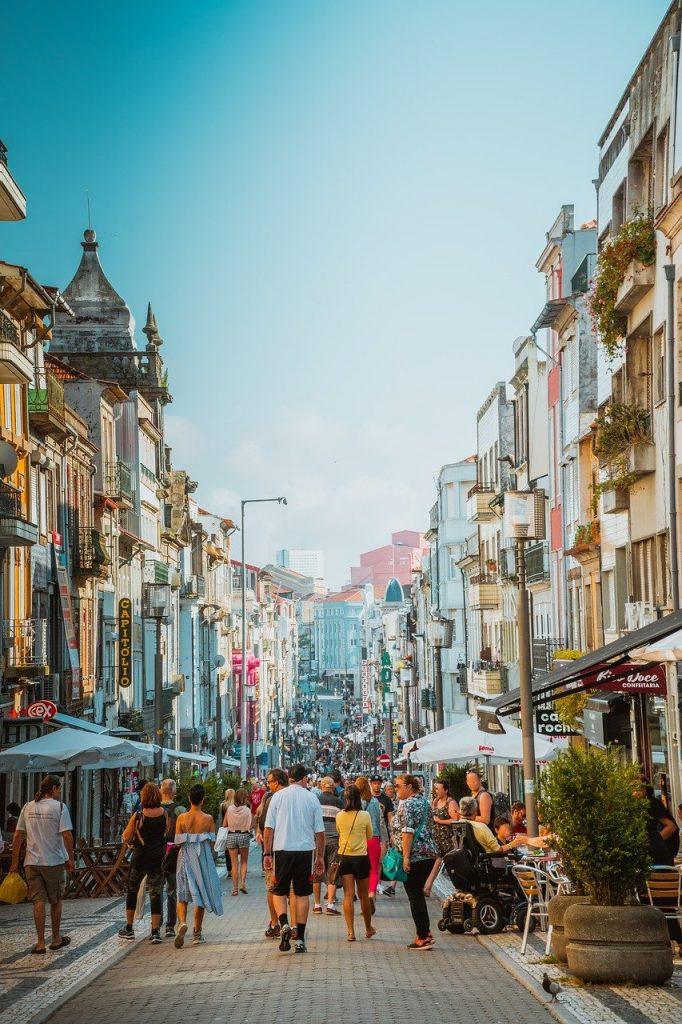 rue piétonne marchande